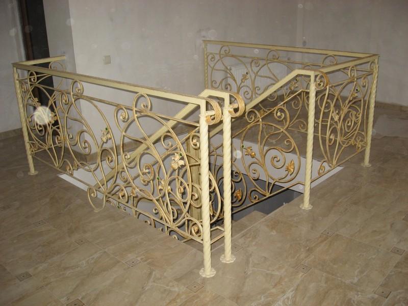 Ковка лестницы ограждения